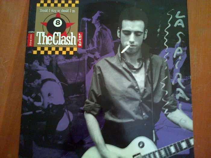 Maxi single (4 titres) : Should I Stay or Should I Go des Clash et Rush de Big Audio Dynamite en face A, Rush (Dance Mix) et Protex Blues des Clash en face B