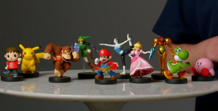 "Les 10 premières figurines Amiibo seront donc à l'effigie du villageois de ""Animal Crossing"", Pikachu, Donkey Kong, Link, Mario, Wii Fit Trainer, Peach, Samus, Yoshi et Kirby"