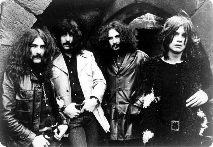 Black Sabbath en 1970 avec (de gauche à droite) : Geezer Butler, Tony Iommi, Bill Ward et Ozzy Oosbourne.