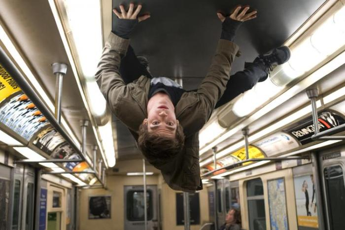 Entre autres choses, Andrew Garfield a réussi (à mon sens) à apporter à Peter Parker un côté plus...fun que Tobey Maguire.