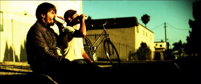 Evan Glodell (Woodrow, à gauche) et Tyler Dawson (Aiden, à droite) forment un duo intéressant et équilibré.