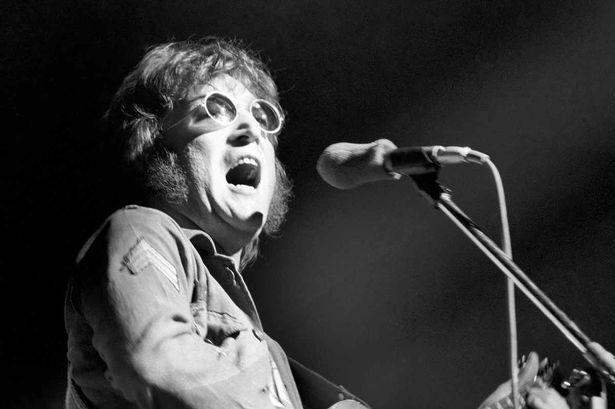 John Lennon en concert en 1972.