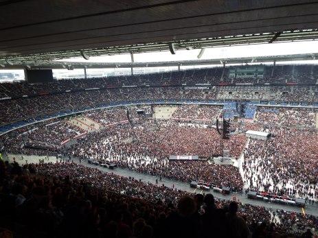 Le stade ne s'est définitivement rempli qu'à quelques minutes du début du concert d'AC/DC.