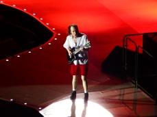 Angus Young, guitariste solo du groupe, a réalisé un sans faute décoiffant.