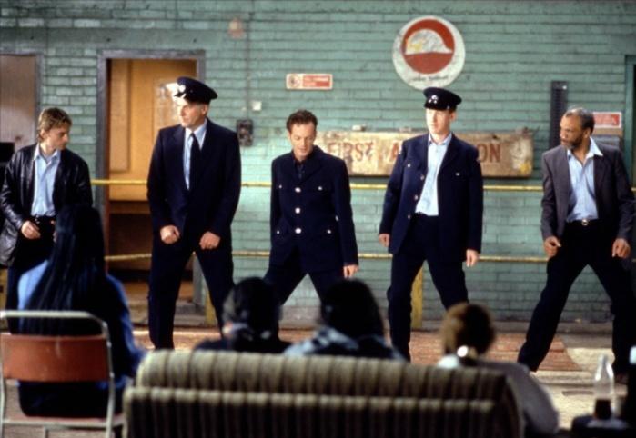 Sous certains aspects, The Full Monty me rappelle finalement Billy Elliot.