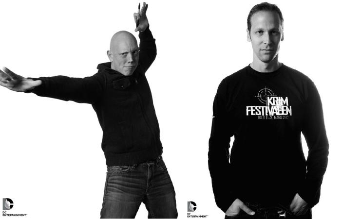 David Finch (à gauche) et Gregg Hurwitz (à droite) sont donc aux commandes de ce deuxième volet.