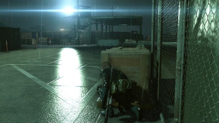 Ground Zeroes reste très fidèle à l'esprit de la licence en privilégiant toujours l'infiltration face au bourrinage tête baissée.