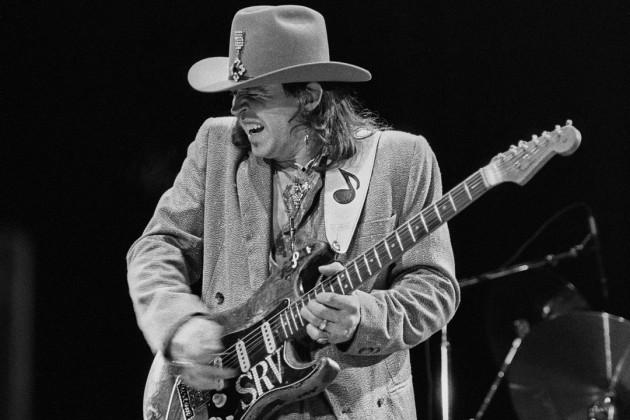 Stevie Ray Vaughan et son irremplaçable Fender Stratocaster.