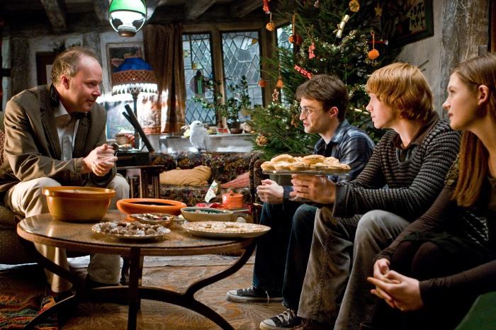 David Yates et une partie de la distribution sur le tournage du film.