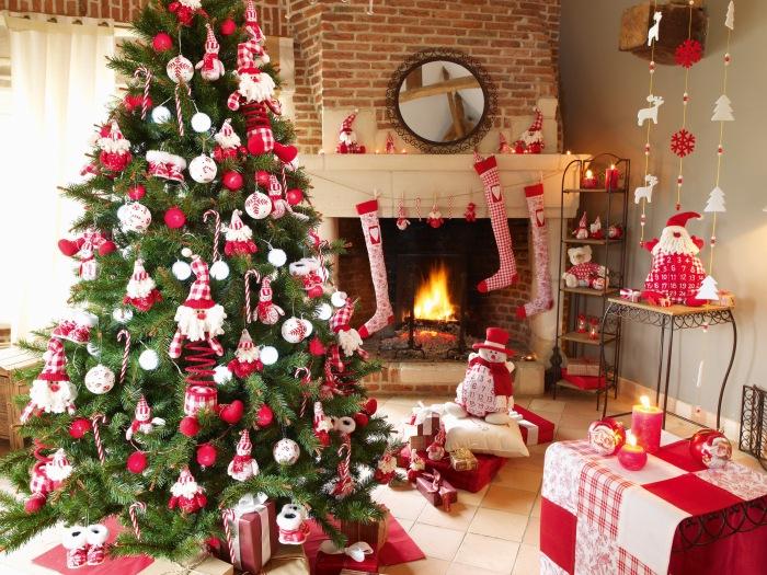 Oui en rouge et blanc c'est bien aussi, on fera comme ça l'année prochaine tiens !