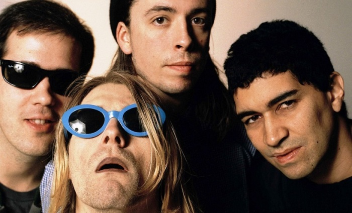 Le groupe à l'époque d'In Utero. Pat Smear (à droite) a rejoint le groupe pour soutenir Cobain à la guitare lors des concerts.