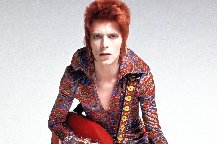 David Bowie en 1972, dans son personnage de Ziggy Stardust.