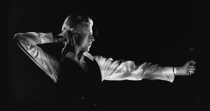 Amaigri et paranoïaque en raison de sa consommation de cocaïne, Bowie crée avec le Thin White Duke un personnage beaucoup plus inquiétant que les rebelles et porteurs d'espoir Ziggy ou Halloween Jack de Diamond Dogs.