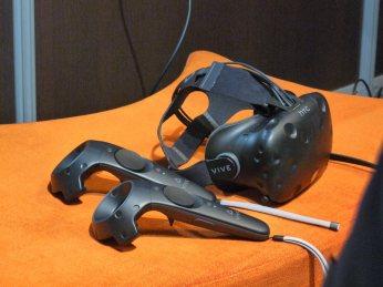 Casque et manettes HTC Vive