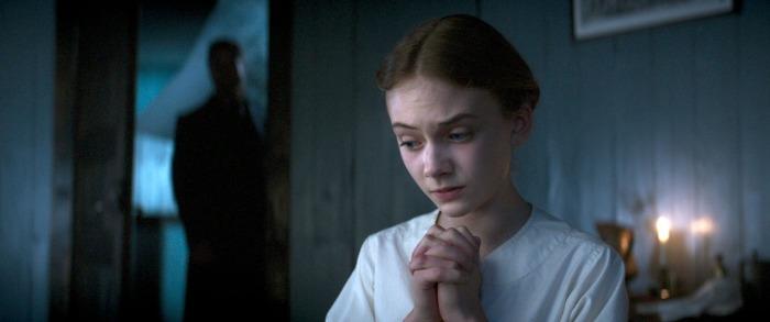 Emilia Jones incarne avec brio une Liz adolescente.