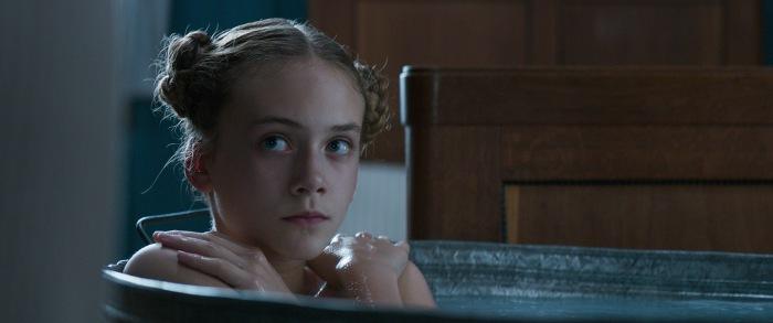 Emilia Jones est une excellente actrice qui, aux côtés d'un géant comme Guy Pearce ou d'une très bonne comédienne comme Dakota Fanning, n'a aucun mal à se forger une solide présence.